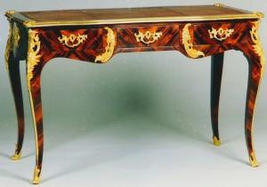 Антикварная старинная мебель в вашем интерьере