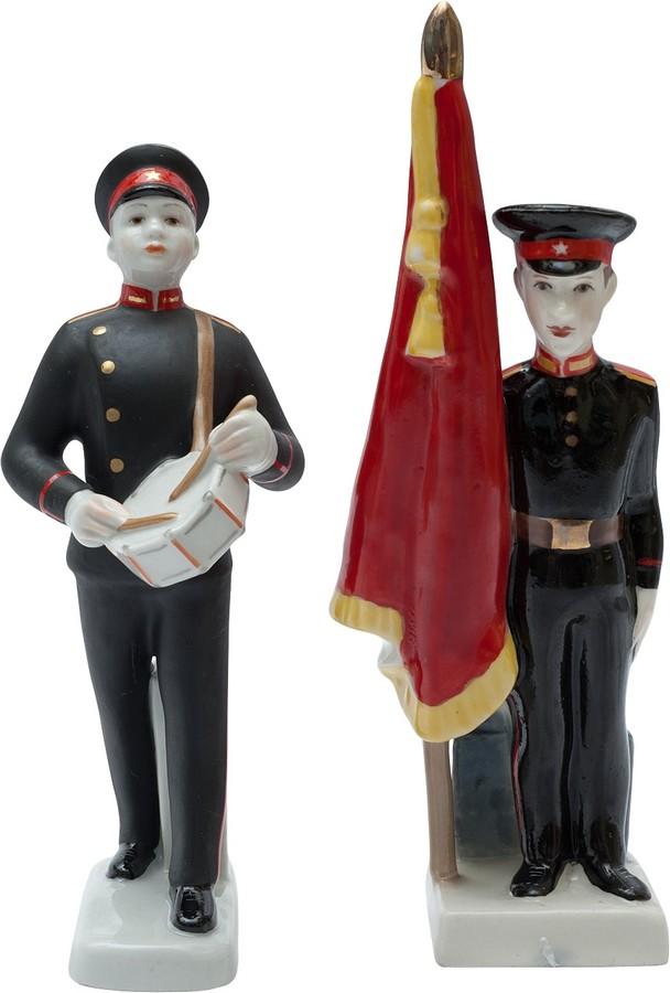 Антикварные фарфоровые фигурки Суворовцы