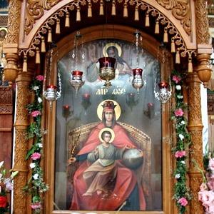 «Державная» старинная икона Пресвятой Богородицы